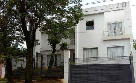 Alquilo Casa Moderna