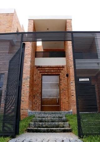 Residencia A Estrenar En Barrio Mburucuya