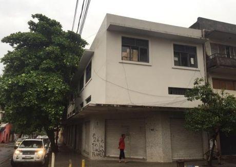 Edificio En Pleno Centro Sobre Chile Y Piribebuy