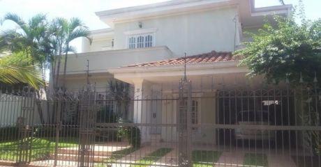 Vendo Casa Zona Los Laureles Sobre Asfalto...excelente Ubicacion!!