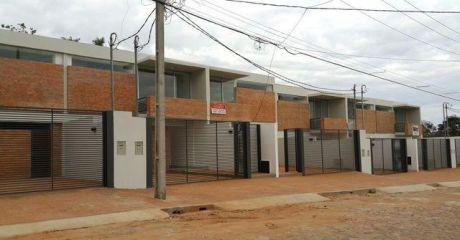 Hermoso Y Amplio Duplex Zona San Isidro Lambare!!