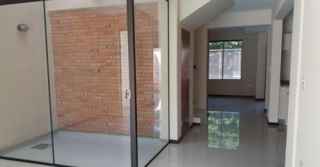 Vendemos 2 Casas Pareadas A Estrenar En Barrio Herrera
