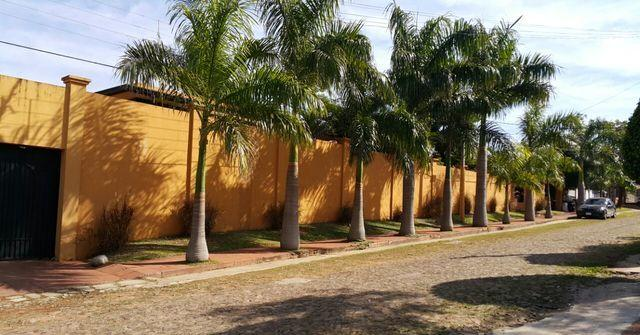 Lambare Barrio Felicidad Espectacular Residencia En 4 Terrenos