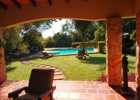 En Luque Hermosa Propiedad Con Casa Impecable En Amplio Terreno De 8300 M2