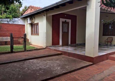 Vendo Casa En Itaugua, Barrio Colinas De Itaugua, A 3 Cuadras De La Ruta!!