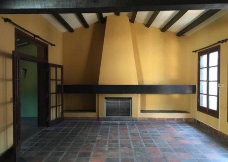 Vendo Hermosa Casa En Asuncion, Barrio Carmelitas!