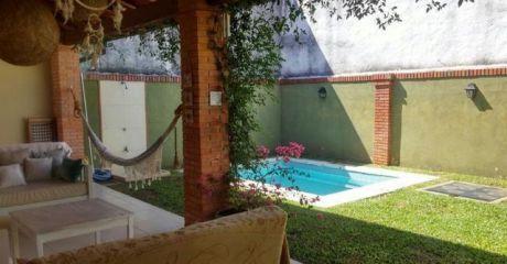 Vendo Duplex Con Piscina Zona Mburucuya