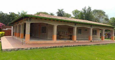 Limpio, Hermosa Casa Quinta