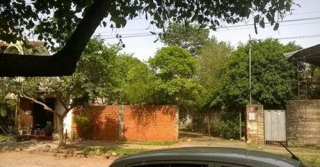 Mburucuya , Hermoso Y Amplio Terreno, Zona Altamente Residencial, Prox. Av. Stma. Trinidad Y Julio Correa.-,