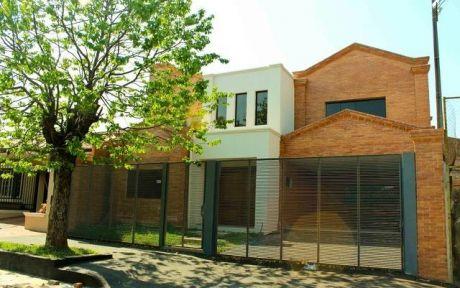 Residencia De 5 Dorm Cercanias Boggiani/colegio Del Sol/villa Aurelia