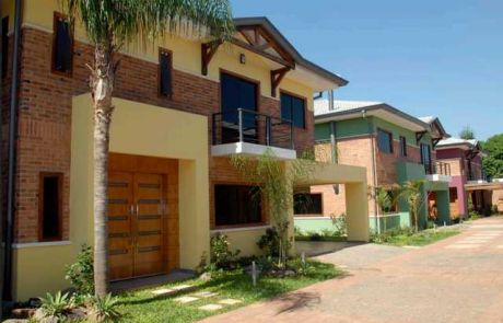 Alquilo Casa En Condominio Cerrado Mcal Estigarribia