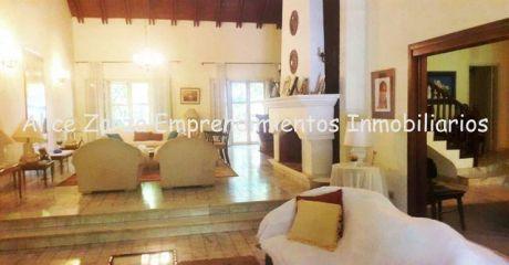 Vendo Amplia Residencia S/ San Jose C/ Juan De Salazar