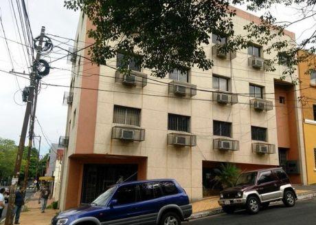 Excelente Edificio Con 14 Oficinas/ Y Local  Sobre Av. G. Rodriguez De Francia