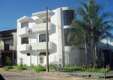 Vendo Lujoso Duplex De 3 Plantas Con 3 Dormitorios En Bº Mburucuya