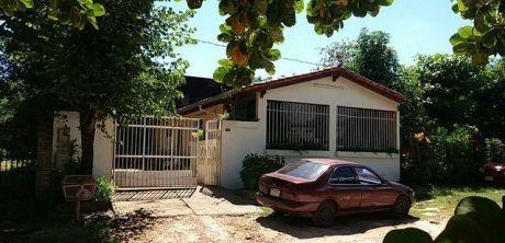 Casa En Mariano Roque Alonso, A Una Cuadra De La Ruta Transchaco!