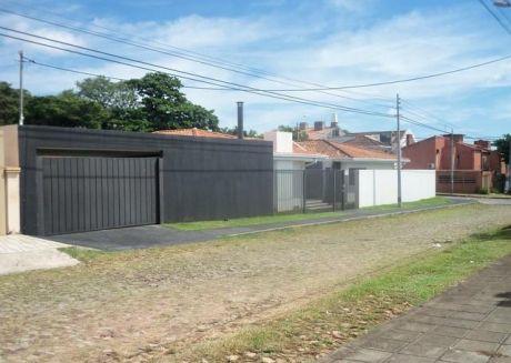 Vendo Elegante Residencia Zona Barrio Los Laureles Toda En Una Planta