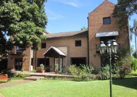 Hermosa Casa Para Alquilar En Barrio Cerrado