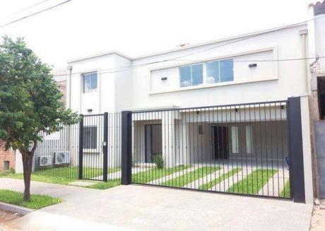 Alquilo Casa Minimalista Zona Colegio Lumen
