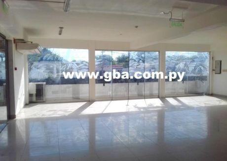 Dos Salones Comerciales Más Casa En Alquiler - Acceso Sur