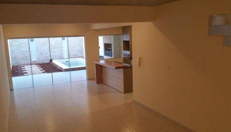 Vendo Duplex A Estrenar Con Piscina Zona Parque De La Salud/el Mangal