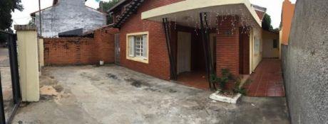 Alquilo Casa Zona Artigas Gs.1.800.000