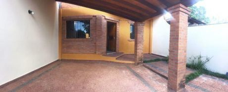 Alquilo Duplex En Fernando De La Mora Zona Norte A 3 Cuadras De Mcal Lopez Y Waldino Lovera