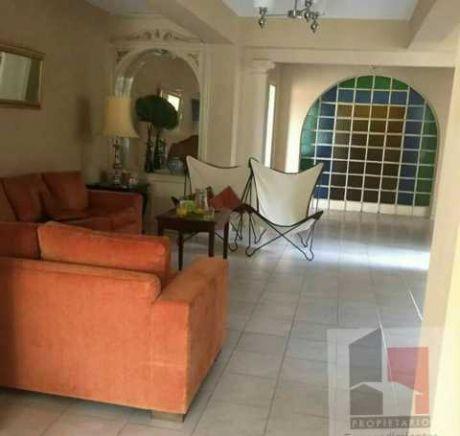 Hermosa Casa A 2 Cuadras De Mcal Lopez - Villa Morra