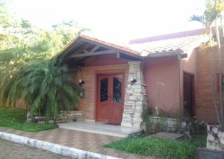 Hermosa Residencia En Fernando De La Mora, Zona Sur