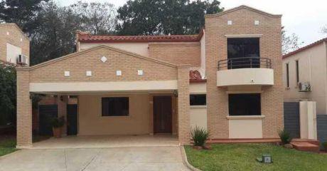 Vendo Espectacular Casa En Barrio Cerrado Boulevard - Luque