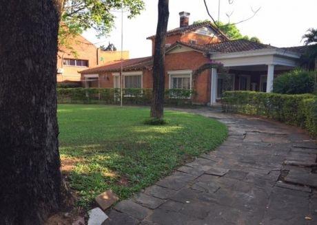 Alquilo Espectacular Residencia En Mcal. Lopez C/ Gral. Santos