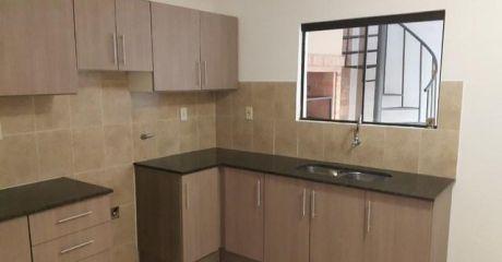 Alquilo Duplex En Condominio Cerrado Barrio Ycua Sati