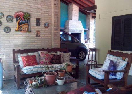 Vendo Casa 476 M2  / Fdo De La Mora Norte