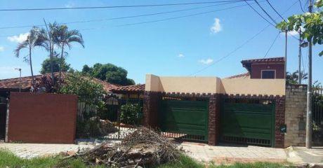 Vendo Casa De 2 Plantas En Fernando Zona Norte.
