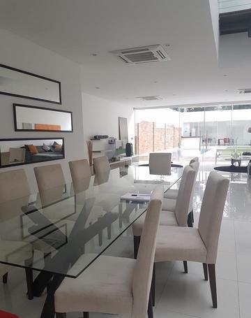 Vendo Residencia En Barrio Herrera.