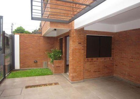 Alquilo Duplex En Barrio Herrera.