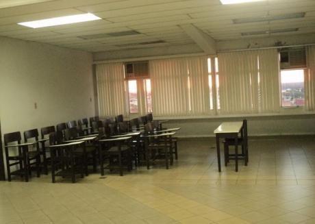 2000m2.,centrico, En Planta Libre, Para Oficinas Corporativas, Distribuidos En 3 Pisos De Edificio