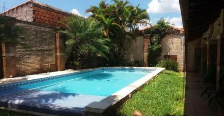 Vendo Casa En  San Lorenzo  ( Zona Cubas Y Pinedo ) 700 Mts De Mcal Lopez