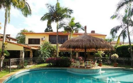 Casa En Asunción En Alquiler – Los Laureles