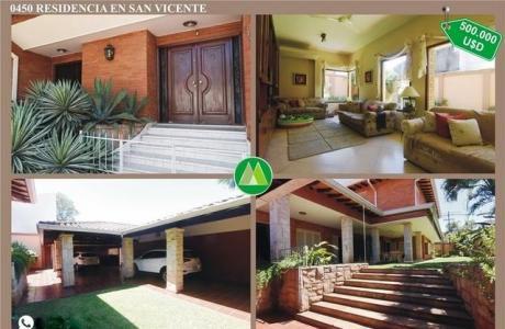 Residencia En Barrio San Vicente En Venta