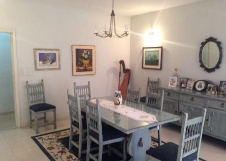 Vendo Casa. 1.162 M2 En Barrio Mcal. Estigarribia