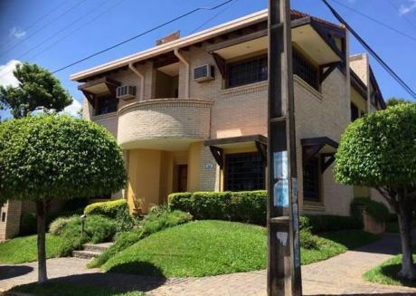 Vendo Casa En Esquina Zona  Trinidad