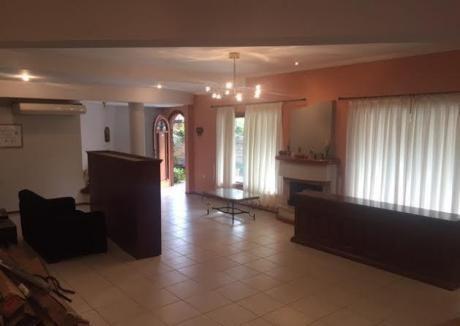 Vendo Casa En Lambare. Barrio Santa Ana