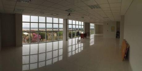 Alquilo Oficinas Corporativas A Estrenar Con Hermosa Vista.