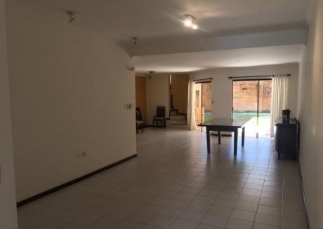 Vendo Duplex Con Piscina. Barrio Los Mangales