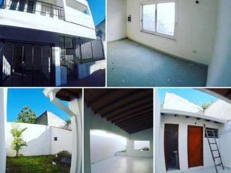 Amplia Residencia Zona Sanatorio Britanico, Colegio Cristo Rey, Centro De Asunción.