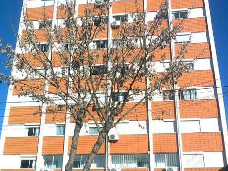 Apartamento En Venta En San José De Mayo, San José