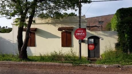 Casa En Venta - Alquiler En Salto, Salto