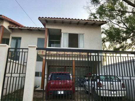 Casa Independiente De Dos Plantas Zona Ucebol En Anticretico 30.000$