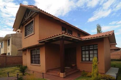 Bonita Casa Lujosa-tiquipaya