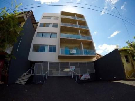 Impecable Vendo Departamento Con Cochera  A Estrenar